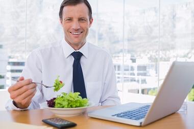 仕事が忙しいビジネスマンの食事