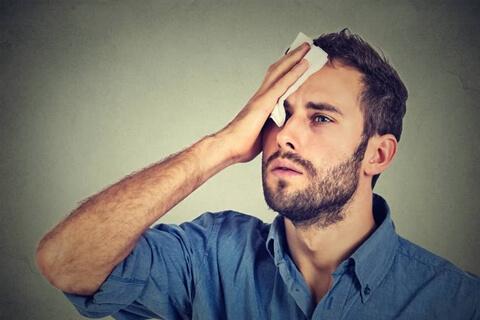 顔汗を止める対策方法